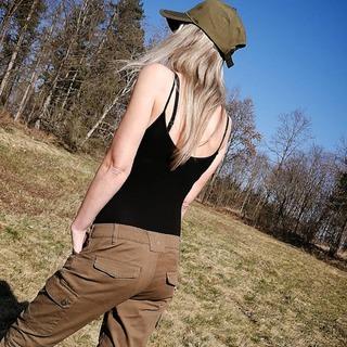 🌲-🐗 konečně je pěkné počasí a 🌞 hezky hřeje. Kalhoty Pinewood Serengeti 3790 se příjemně nosí i v teplých dnech... #leslovtrebic #myslivcuvobchod . . #pinewood #pinewoodclothing #pinewoodhunting #forest #pinewoodoutdoor_official #pinewoodoutdoors #hunting #huntingbeauty #myslivost #huntinglife #outdoorfashion #outdoorclothing #greentrousers #lesnictvi #kalhoty